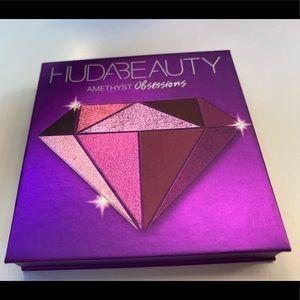Huda Beauty Obsessions Amethyst eyeshadow palette